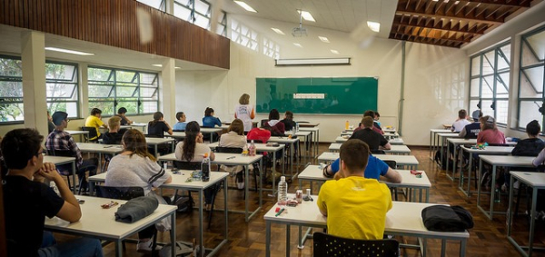 Vestibular 2020/2021 da Universidade Federal do Paraná acontece neste domingo (18/07)
