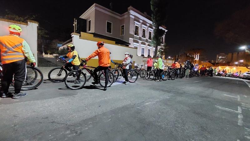 Pedala Curitiba da CIC e do Bairro Novo celebram o Dia Mundial Sem Carro