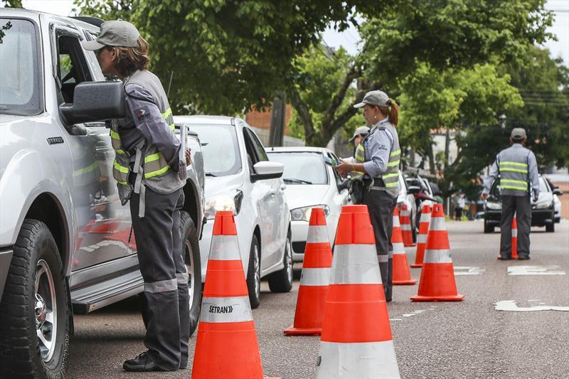 Multas de trânsito podem ser pagas com até 40% de desconto em Curitiba